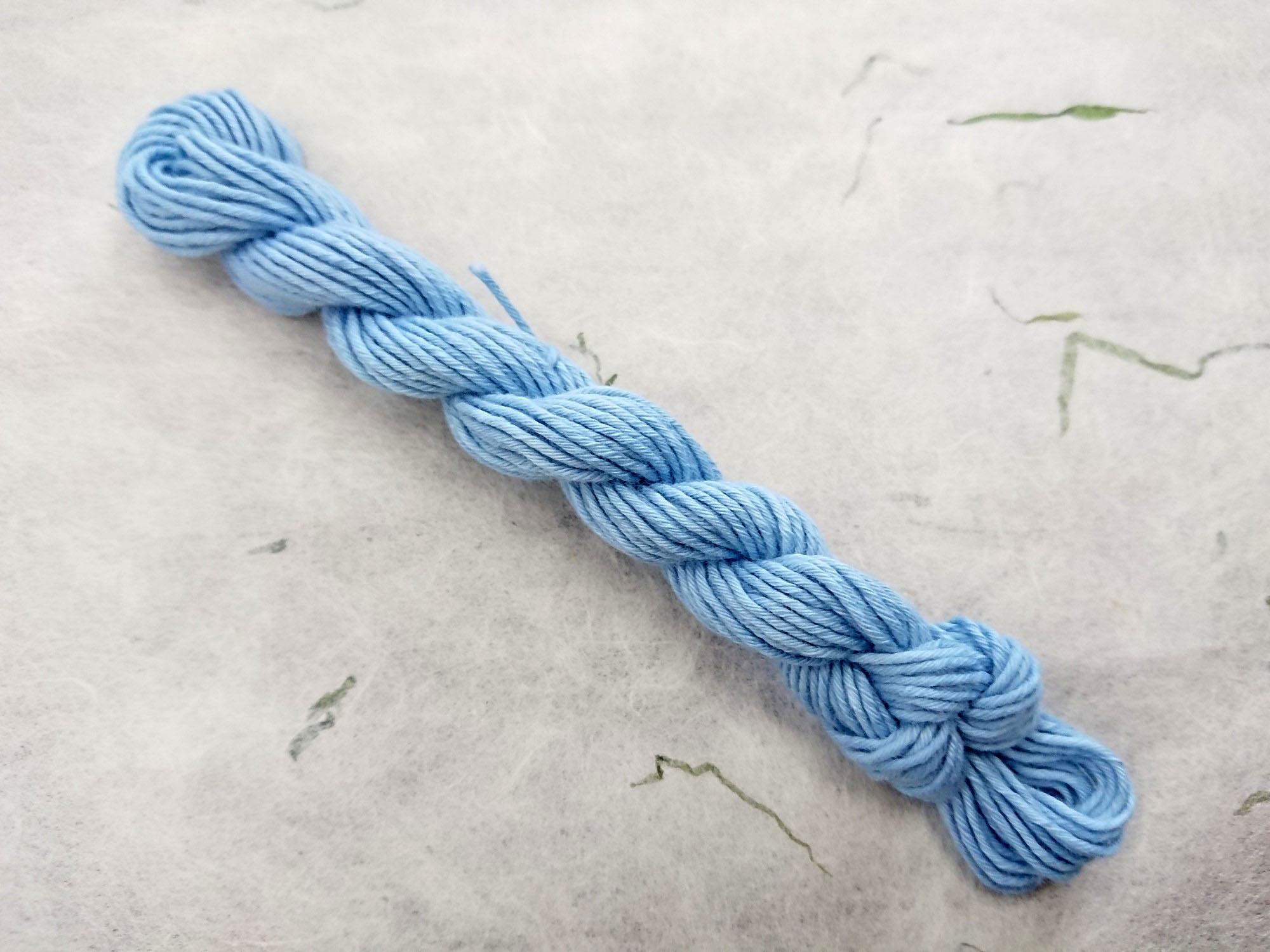 藍 染 糸 浅葱